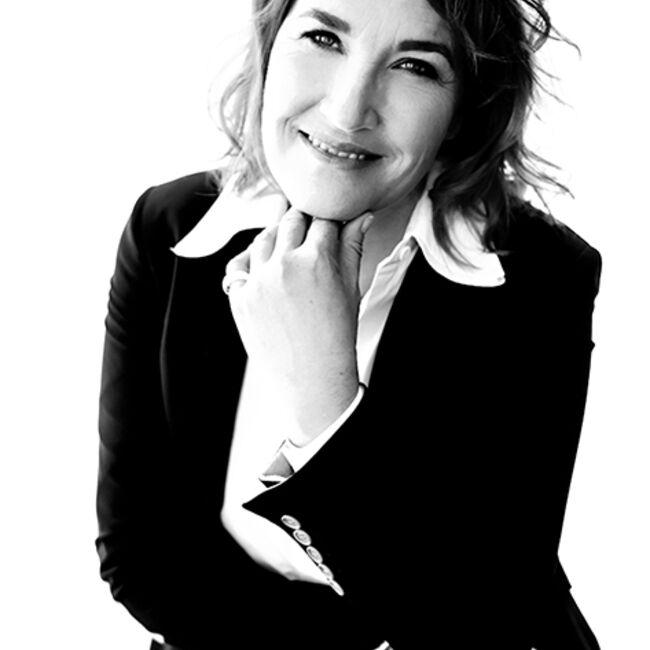 Martine M Maye